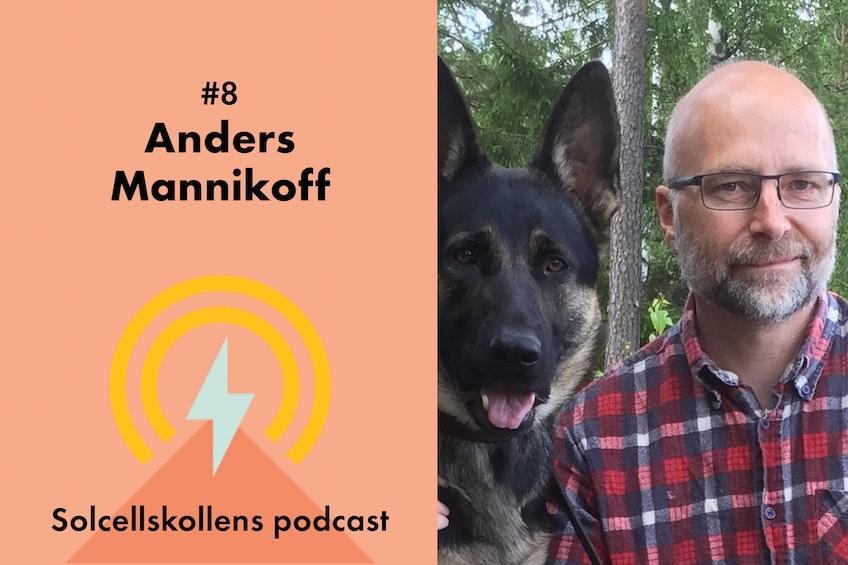Bild på Anders Mannikoff och hans schäferhund