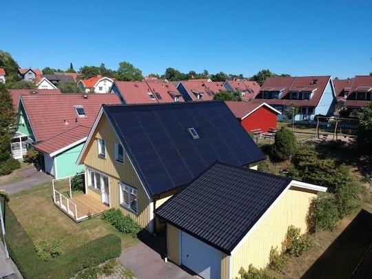 Integrerade solceller på villa i Mölndal