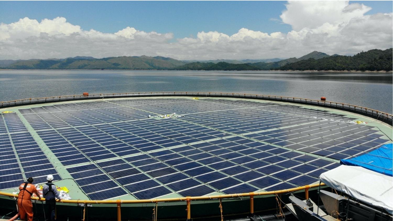 En flytande solcellsanläggning av Ocean Sun i Filippinerna