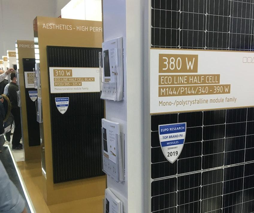 I Luxors monter på Intersolar i München fanns solpaneler med de senaste solcellsteknikerna.