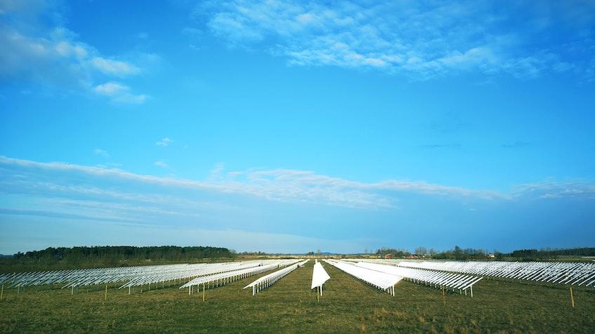 Pågående installation av Sveriges största solcellspark i Sjöbo