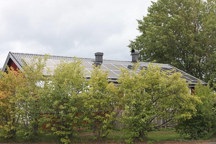 En villa med solceller i Habo