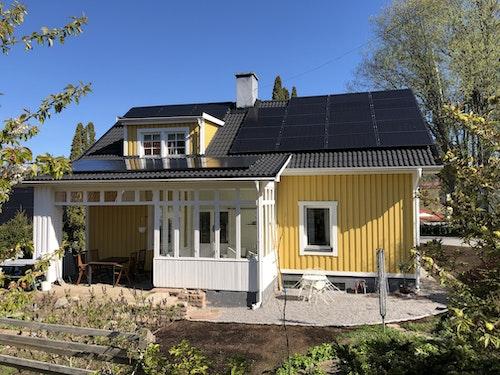 Solcellsanläggningen hemma hos Anders i Huddinge