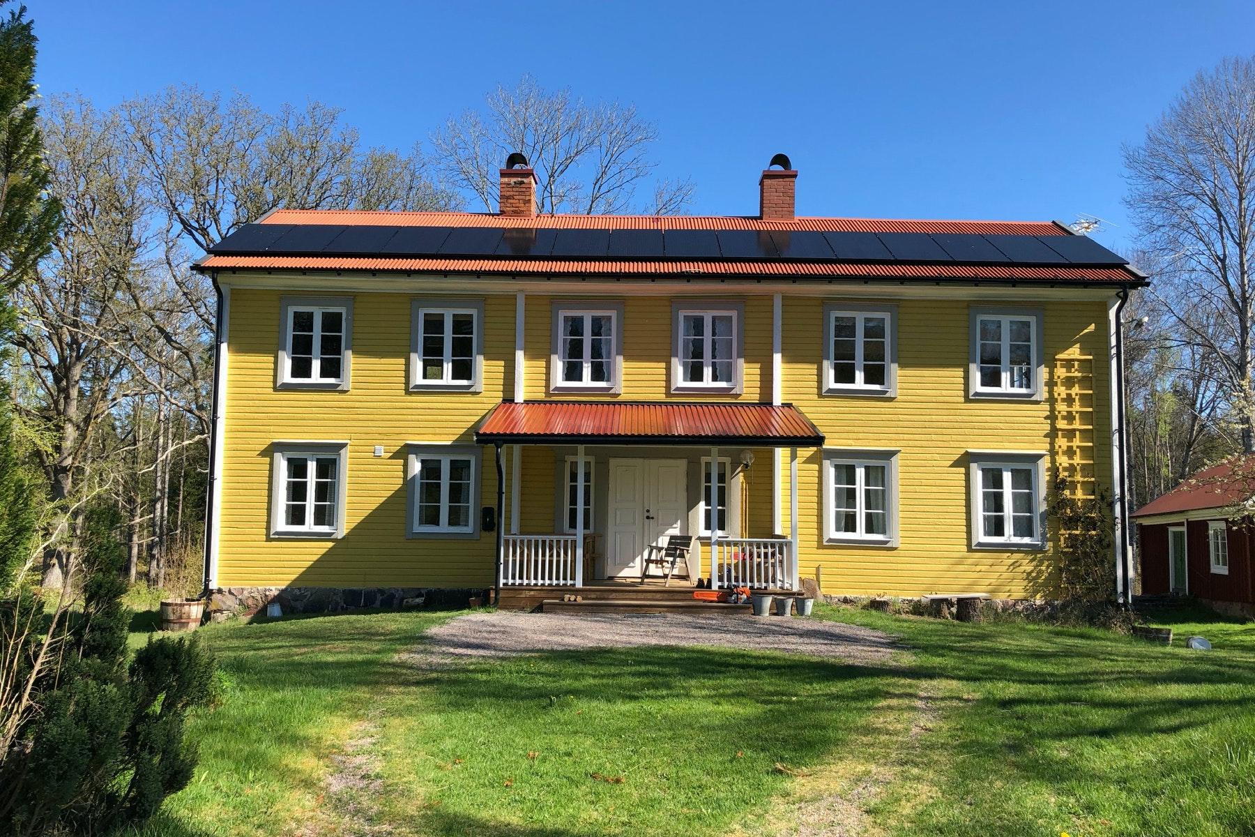 Bild på solceller i Småland