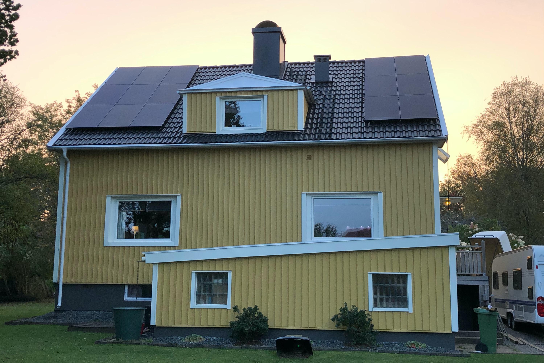 Bild på solceller i Skillingaryd