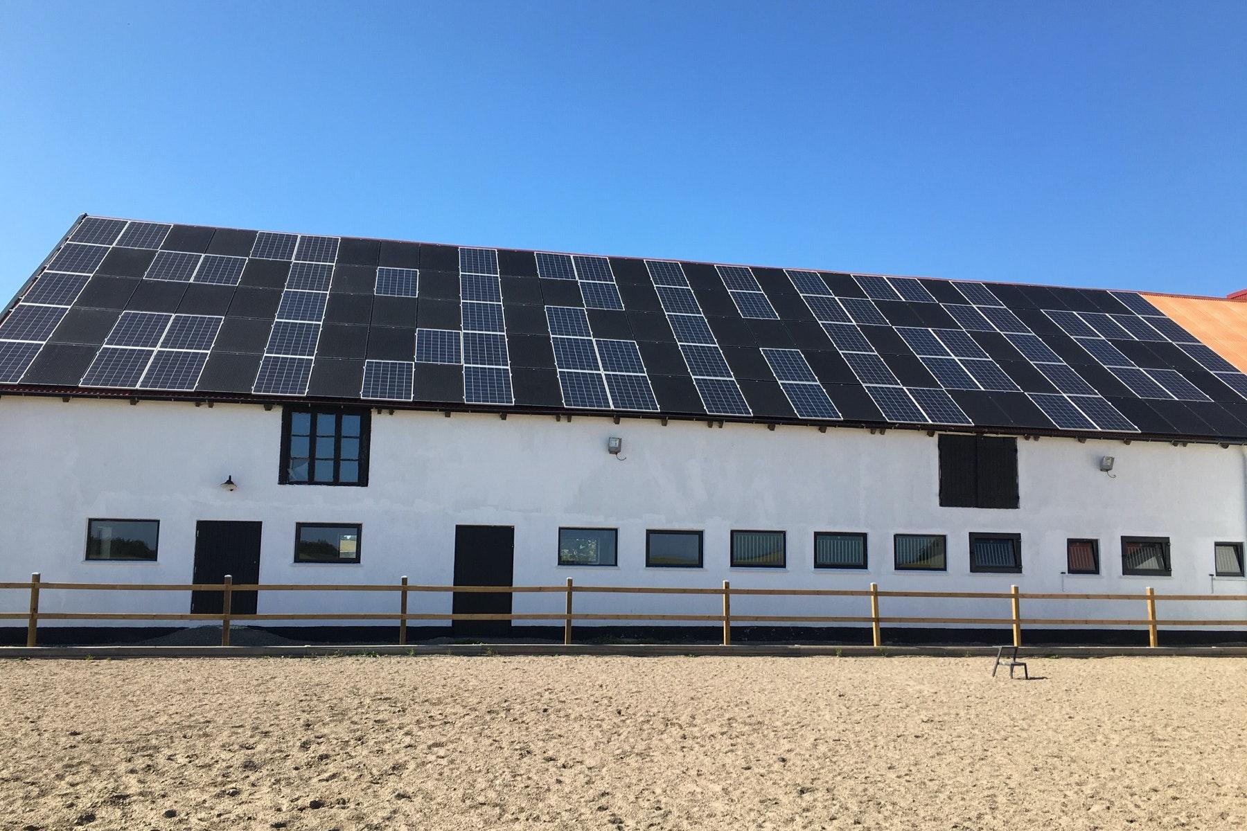 Bild på solceller i Borrby