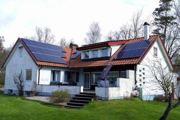Bild på solceller i Ängelholm