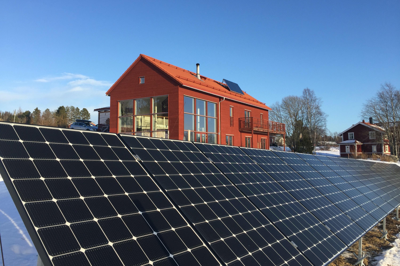 Bild på solceller i Kännåsen
