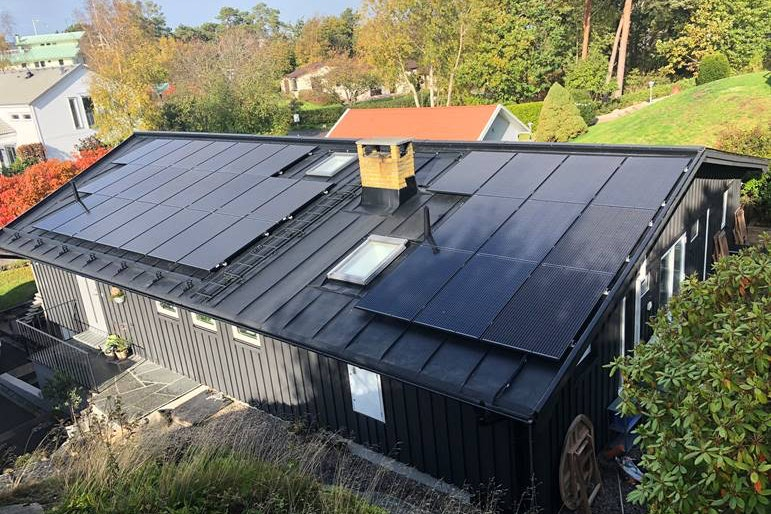 Bild på solceller i Kullavik