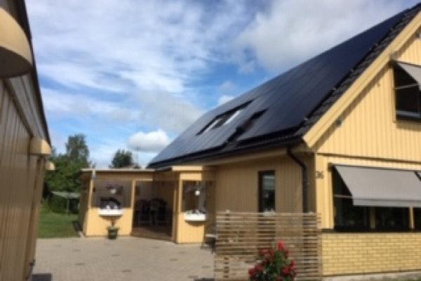 Bild på solceller i Ljungby