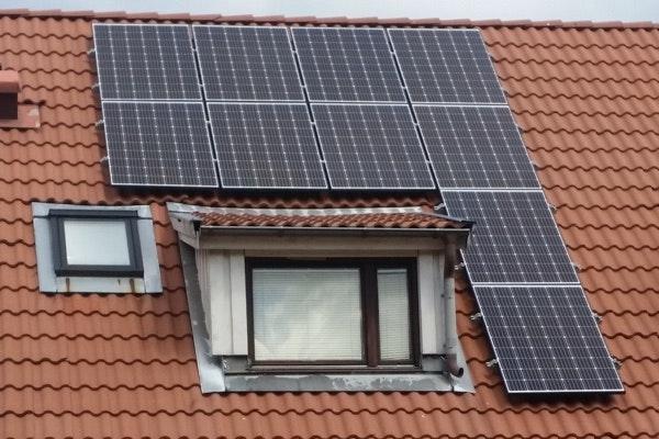 Bild på solceller i Skogås