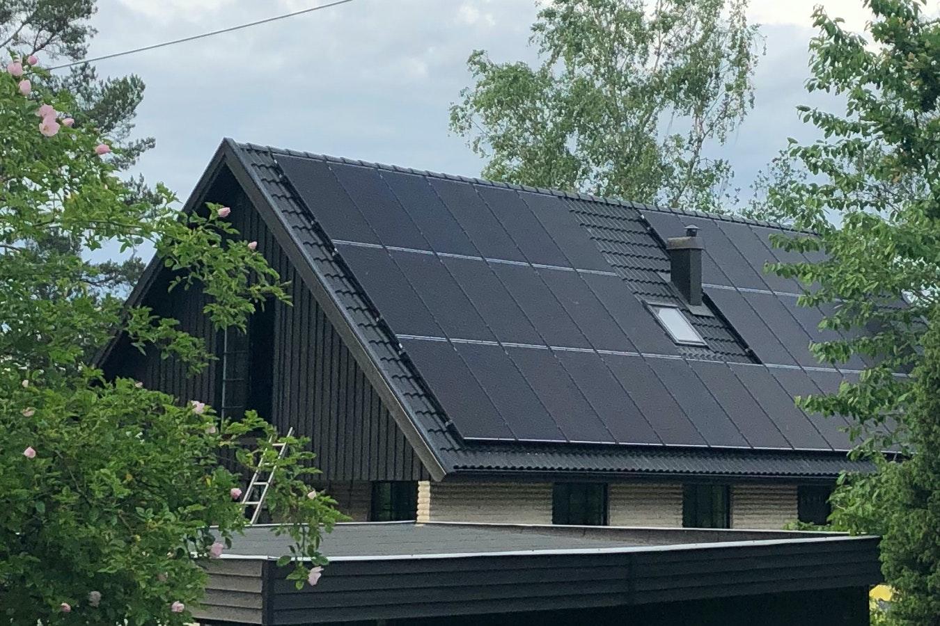 Bild på solceller i Täby