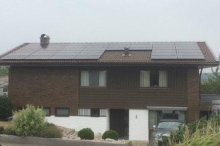 Bild på solceller i Billdal