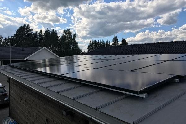 Bild på solceller i Enköping